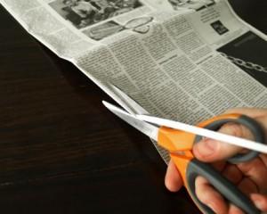Como Fazer uma Cesta Retangular de Jornal 6