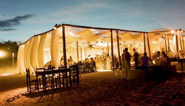 Foto-decoração-de-casamento-na-praia