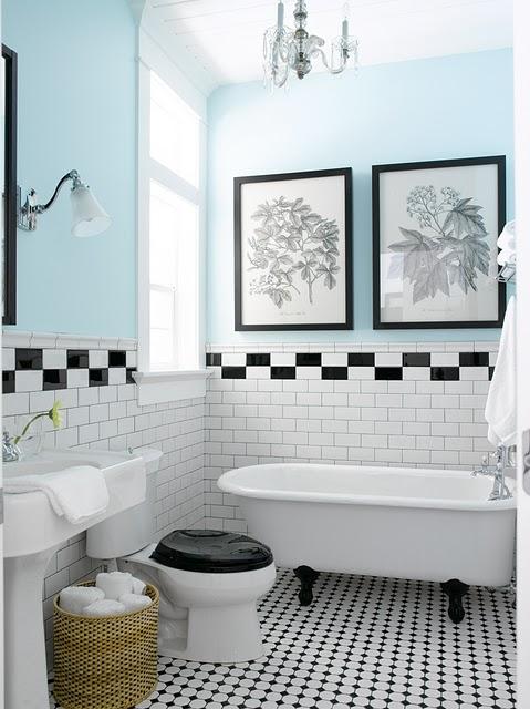 Quadros no banheiro 4