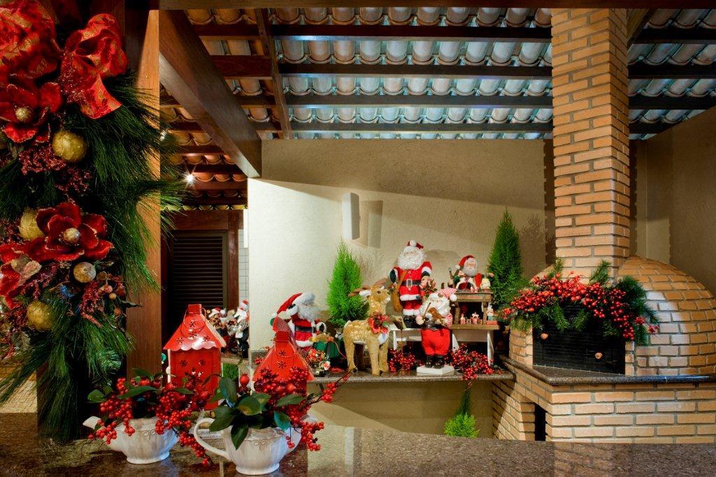 churrasqueira-papai-noel-11-decoracao-de-natal-residencia-de-350-m-vira-casa-do-papai-noel