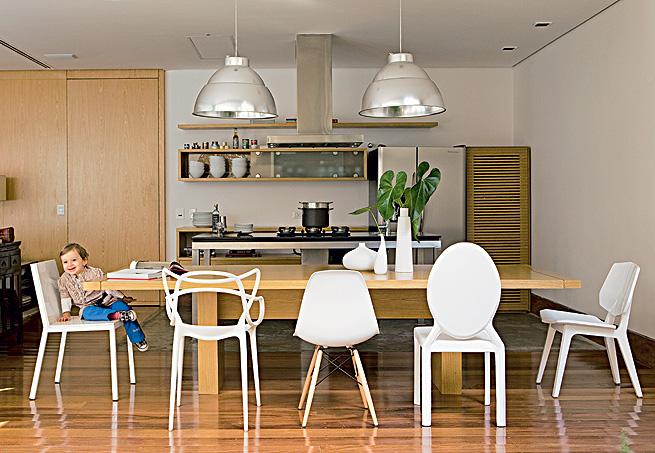 Cadeiras diferentes na cozinha 2