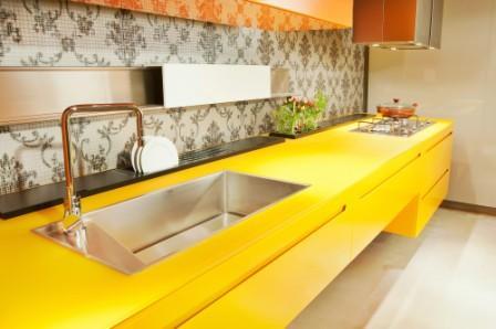 Cozinhas coloridas e estampadas 3