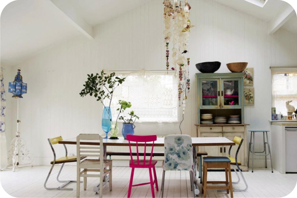 Cadeiras diferentes na cozinha 6