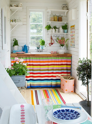 Cozinhas coloridas e estampadas 8