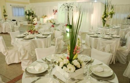 Decoração para Festa de Casamento com Flores 2