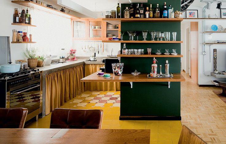 Prateleiras na cozinha 6