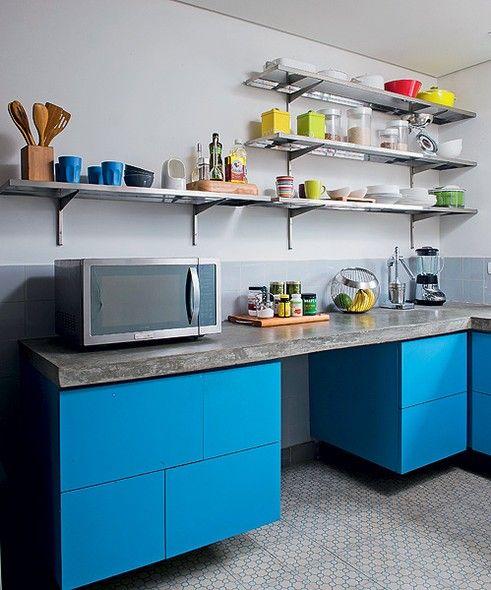 Prateleiras na cozinha 7