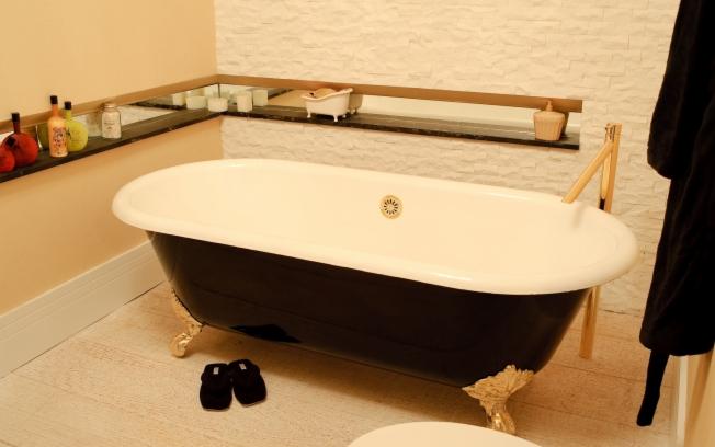 Banheiro com banheira 2