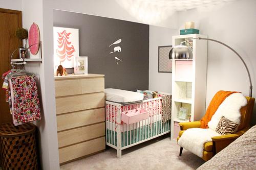 Bebê no quarto do casal 8