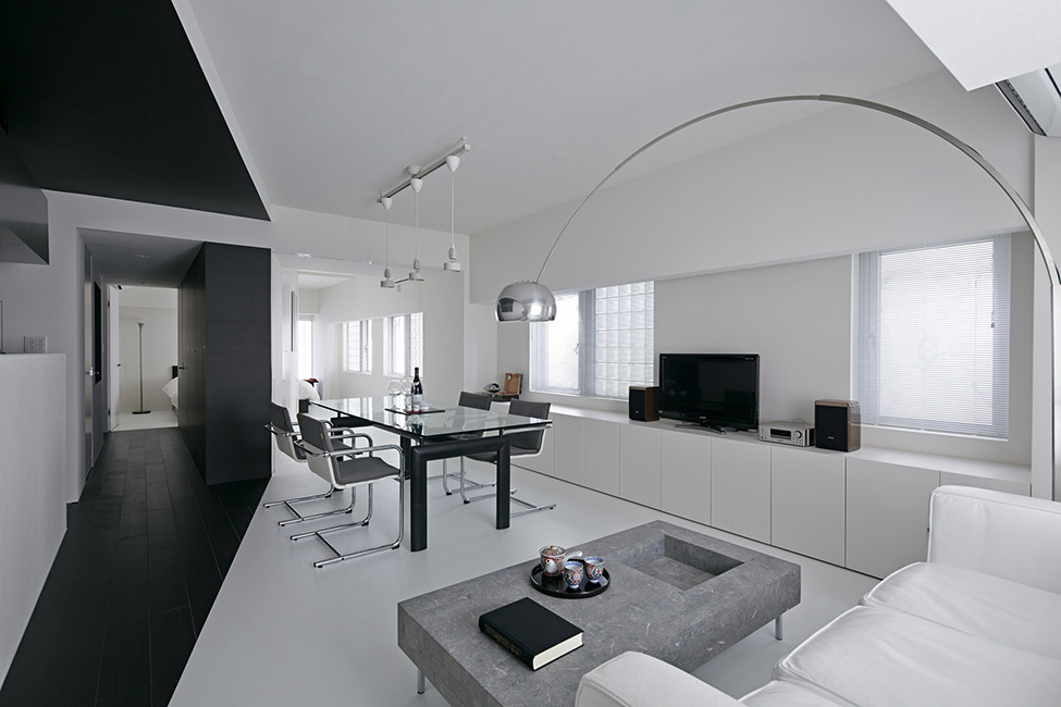 Woonkamer Ideen Grijs : Black and White Studio Apartment