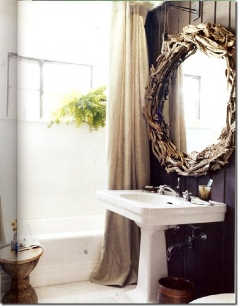 Espelho no banheiro 2