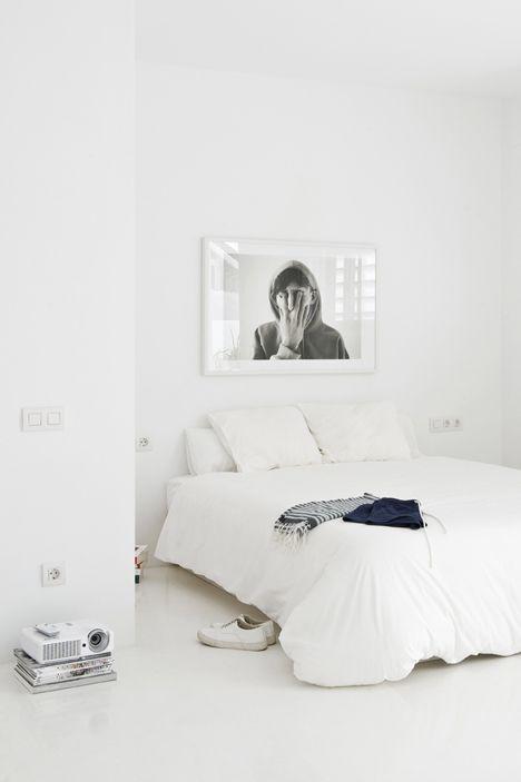 Decoração de quarto todo branco  7