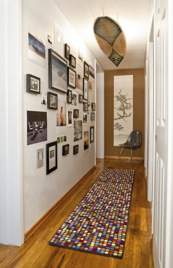 Fotos de decora o corredor pequeno e decorado for Para desarrollar un corredor estrecho
