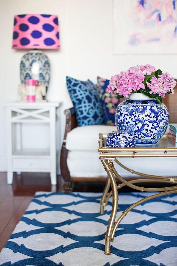 Branco e azul marinho para decorar