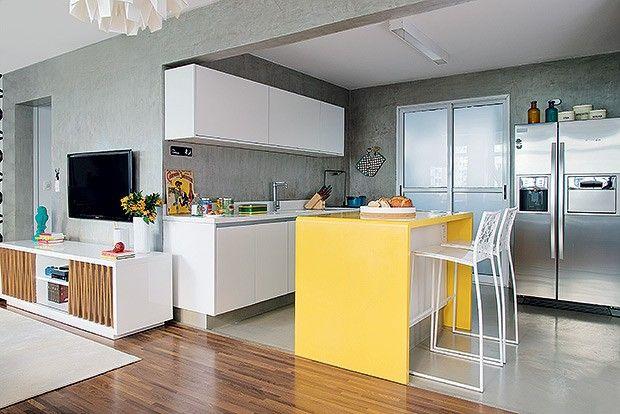 Cozinha com mesa