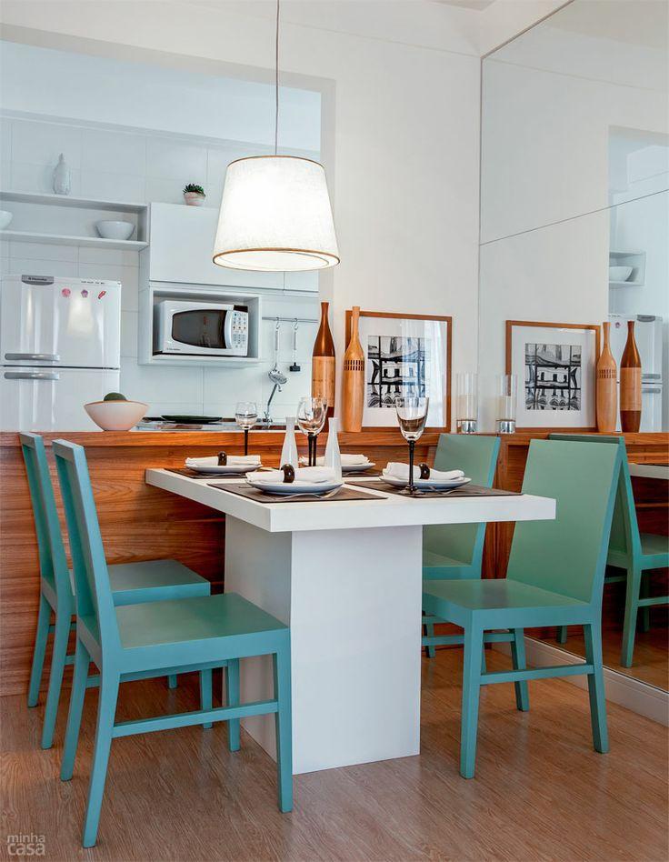 Cozinha com mesa 10