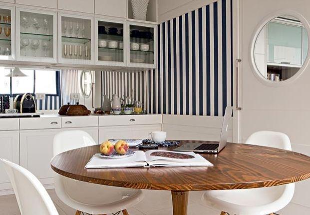 Cozinha com mesa 11