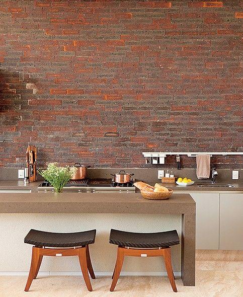 Cozinha com mesa 4