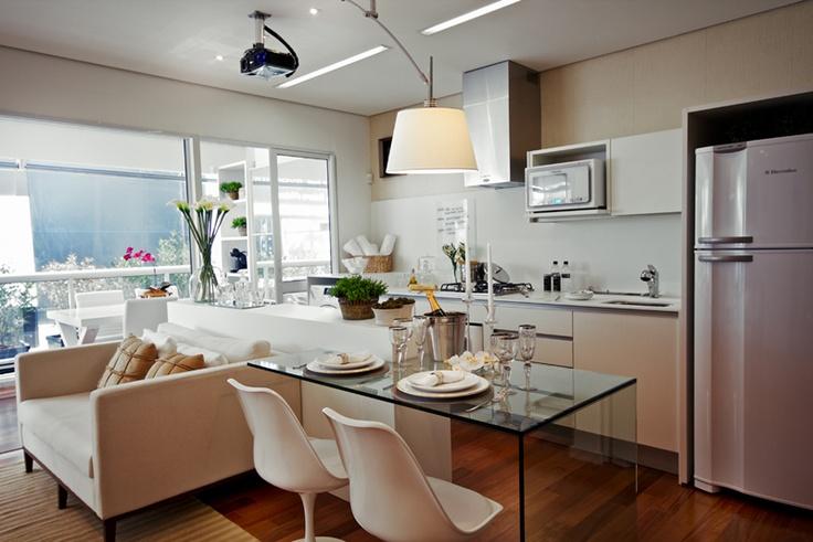 Cozinha com mesa 8
