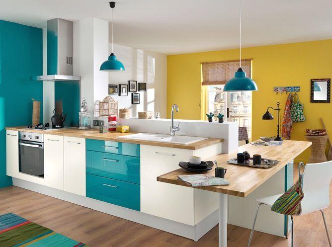 Cozinhas coloridas na decoração 11