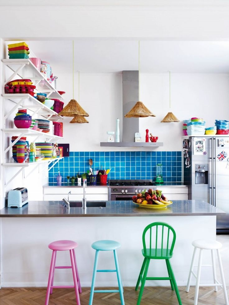 Cozinhas coloridas na decoração 4