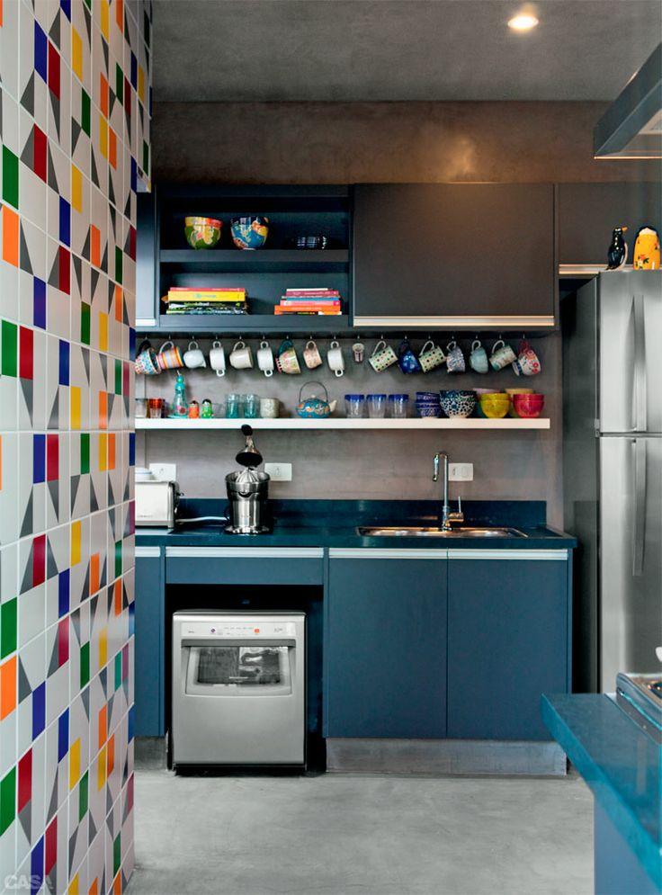 decoracao na cozinha:Cozinhas coloridas na decoração 8