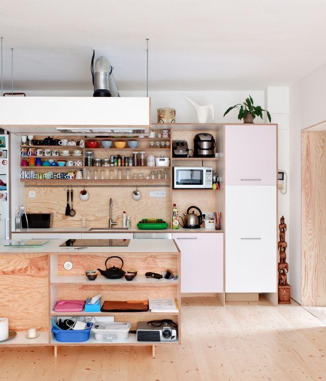 Prateleiras na cozinha 13