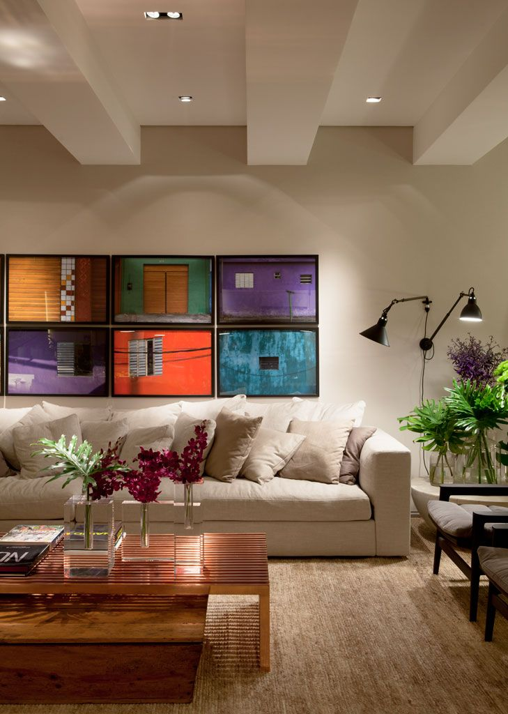 Detalhes coloridos na sala for Pintado de salas pequenas