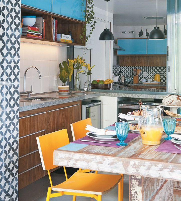 Mesa de refeições na cozinha 2