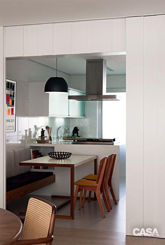 Mesa de refeições na cozinha 4