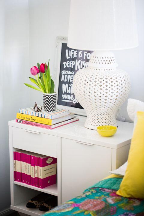 Criado-mudo na decoração do quarto