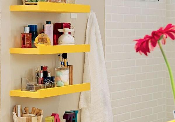 Como organizar a bancada do banheiro
