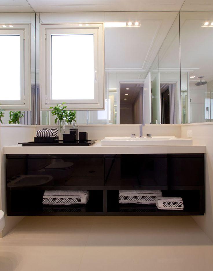 Banheiro preto e branco 5