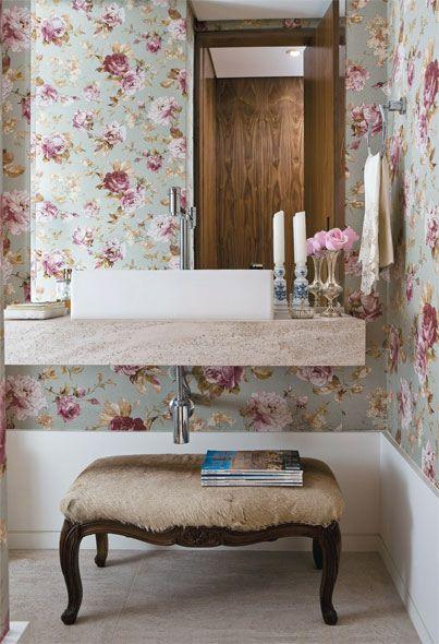 Papel de parede estampado no banheiro 4