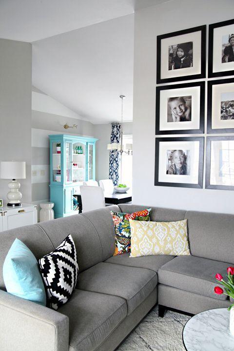 sala com sofá cinza 11