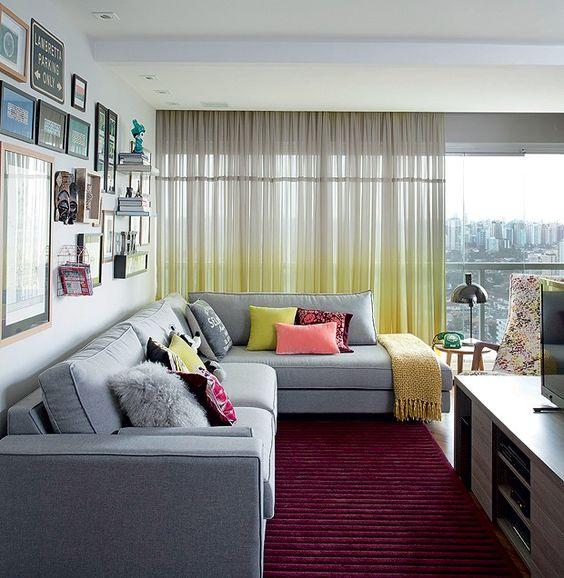 sala com sofá cinza 12