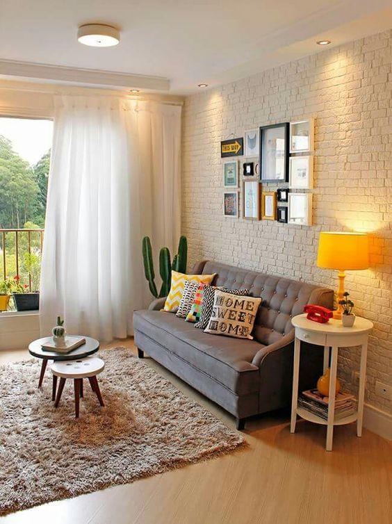 sala com sofá cinza 2