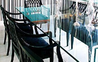 mesa-de-jantar-em-vidro-2