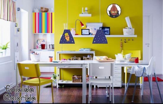 Cozinhas coloridas e estampadas 14