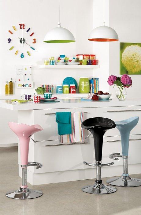 Cozinhas coloridas e estampadas 4