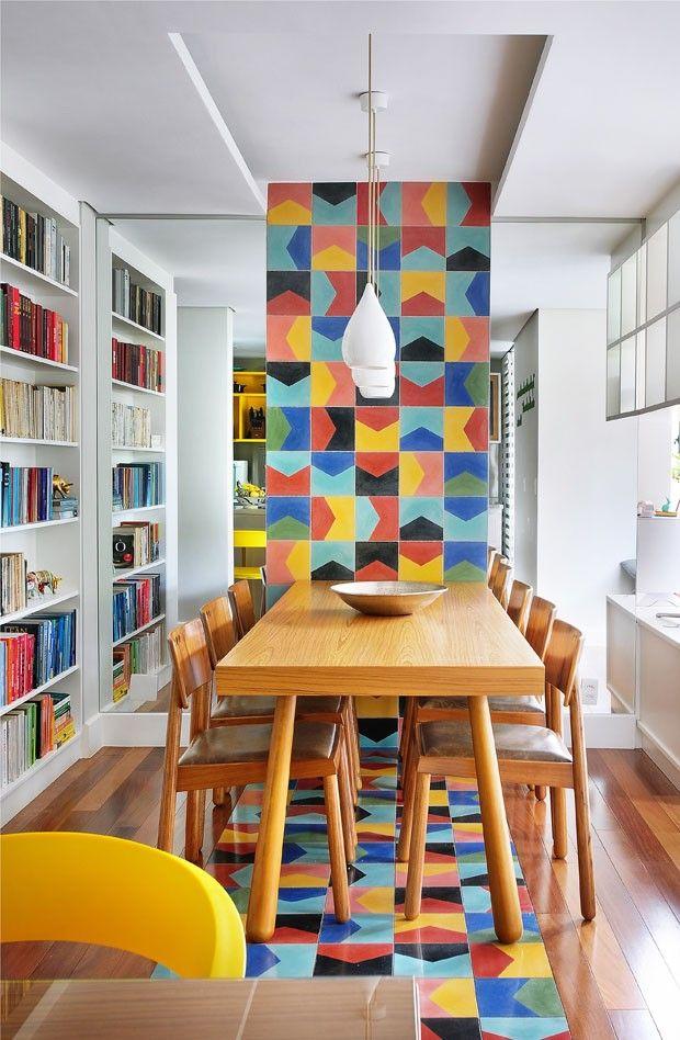 Decoração usando cores e madeira 15